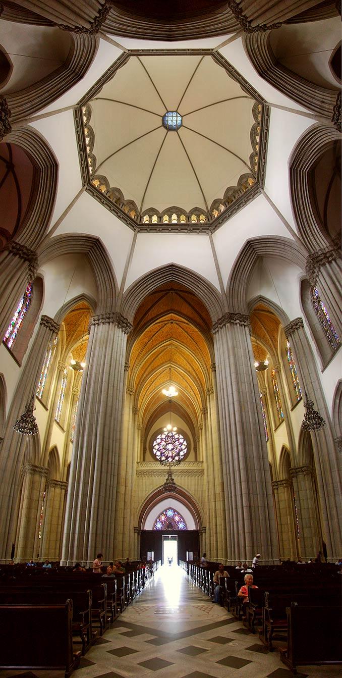 panoramica-nave-central-catedral-da-sé
